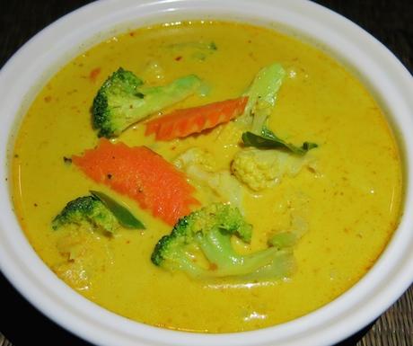 vegan vegetable red curry at Tubkaak Krabi Boutique Resort
