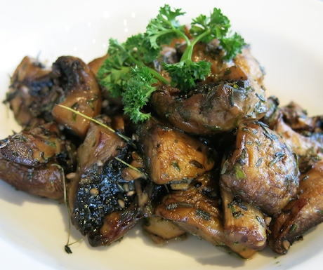 Mushrooms with fresh thyme and garlic at Sheraton Towers Singapore for breakfast