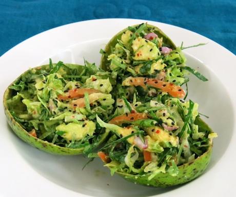 Superfood combination of avocado and katurumuranga leaves at Anilana Nilaveli