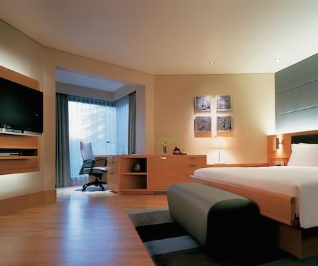 Grand Club room at Grand Hyatt Singapore