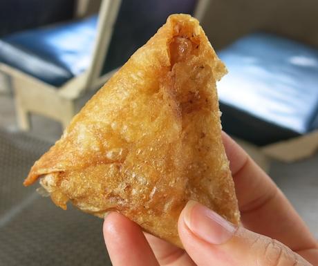 vegan Sri Lankan samosas