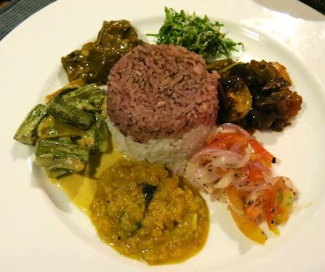 delcious vegan curry in Sri Lanka