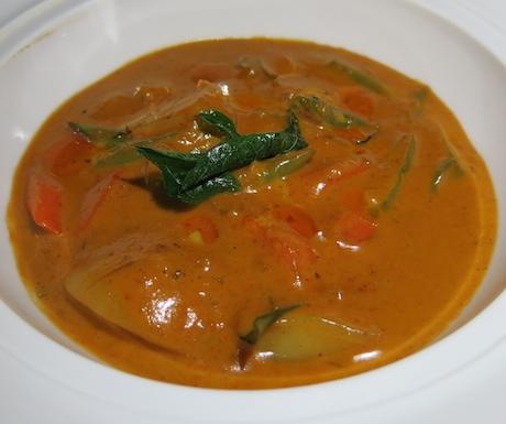 Rich and (coconut) creamy Maldivian Curry.
