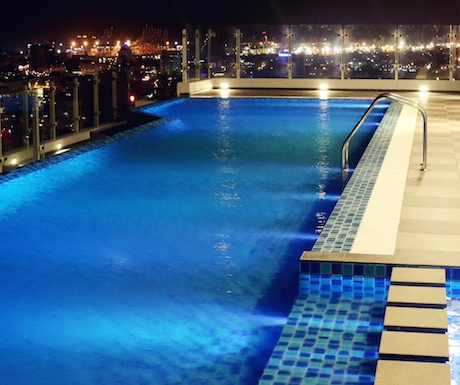 rooftop swimming pool at Cinnamon Red