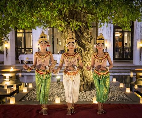 Enjoy the graceful Apsara dancing whilst you eat amazing vegan food.