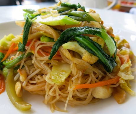 Freshly prepared vegan noodles for breakfast.