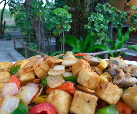vegan tofu and mixed vegetables at Centara Trat