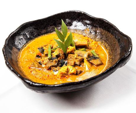 vegan red curry at Malis in Siem Reap