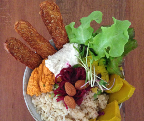 'Ritual Bowl' with tempeh at Vibe