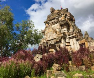 temple and flowers in Battambang on countryside tour