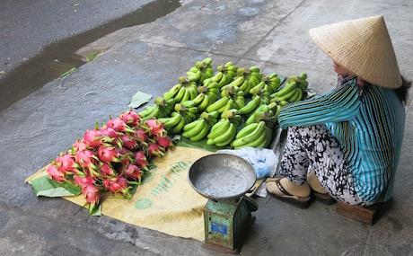 Local market life in Nha Trang.