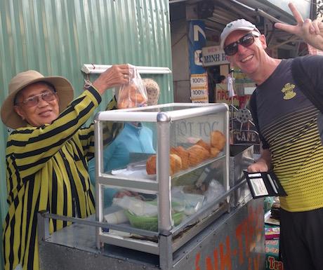 banh tieu vendor in Nha Trang
