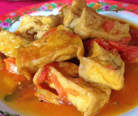 vegan tomato tofu dish at Quan Chat Nhat Da