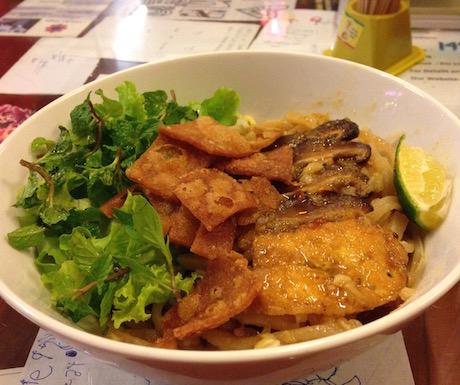 vegan cao lau at Minh Hien