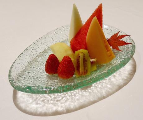 Fresh fruit platter at Shang Palace.