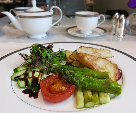 Freshly prepared breakfast in the Oriental Club at Mandarin Oriental Taipei