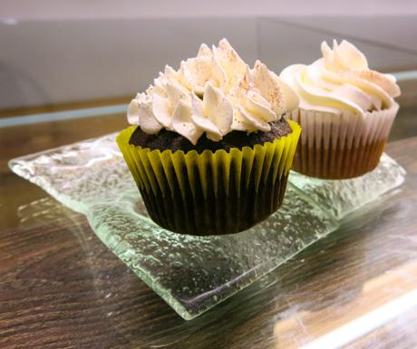 Vegan cupcakes at Mianto