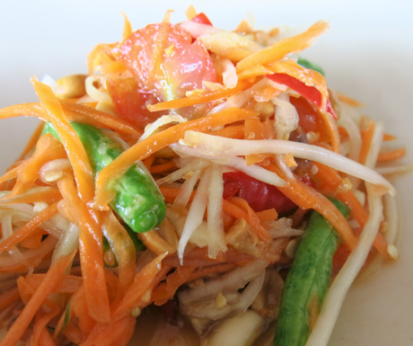 A traditional 'Som Tam' papaya salad.