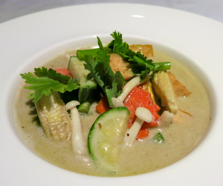 vegan Thai green curry at Kata Rocks