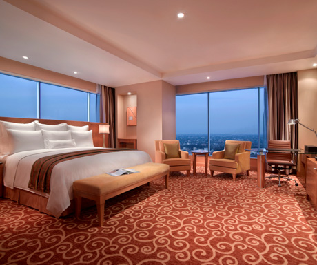 deluxe executive corner room at JW Marriott Medan