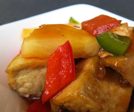 Sweet and sour tofu with perfectly cooked tofu and veg at Marriott Café.
