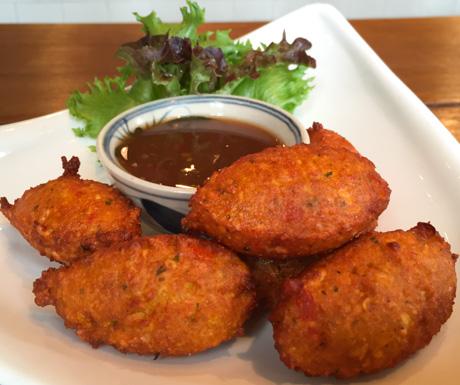 vegan split pea fritters, tamarind dip, vegan, vegan food, Bangkok, Thailand, vegan food, vegan Thailand