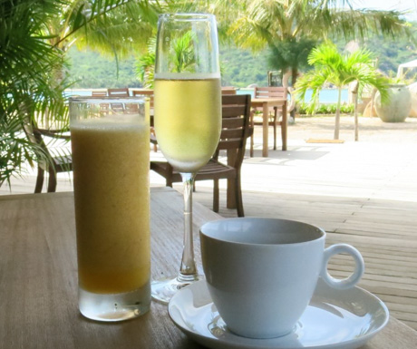 juice, coffee and sparkling wine with breakfast at An Lam Villas
