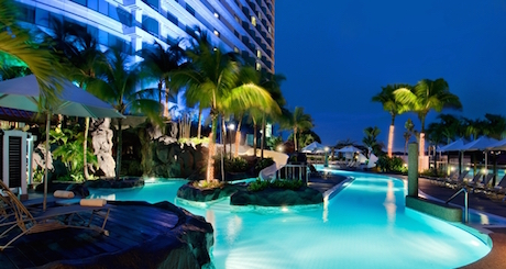huge swimming pool at Hilton Kuala Lumpur