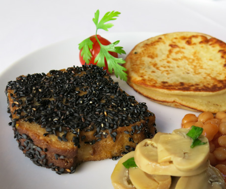 tasty vegan seitan fillet for breakfast at Hotel Infante Sagres