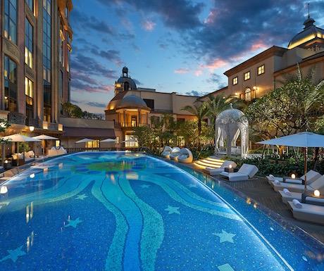 swimming pool at Mandarin Oriental Taipei
