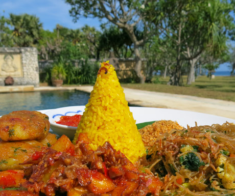 Vegan nasi kuning at Puri Ganesha
