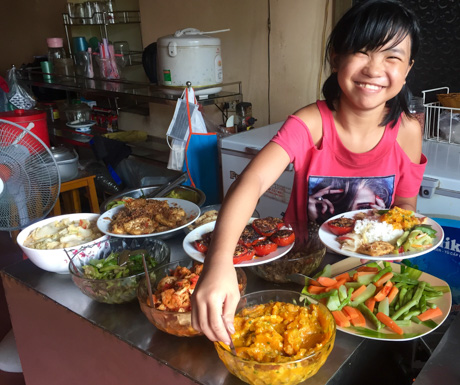 Service with a smile at Bo De Quan in Hanoi