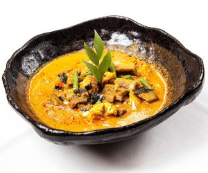 Malis vegetable red curry