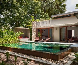 private pool and day bed at Templation