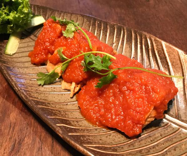 tofu with tomato sauce at Uu Dam Hanoi
