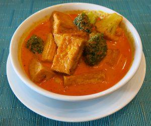 Vegan Thai red curry at Anantara Riverside Bangkok Resort