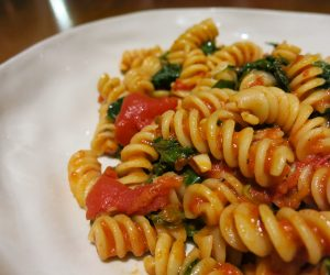 Pasta with organic tomatoes and spinach