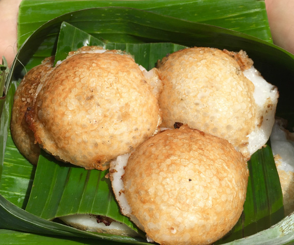 Thai vegan street food khanom krok