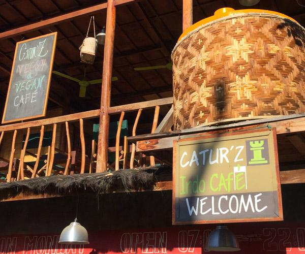 Caturz Cafe Komodo 4