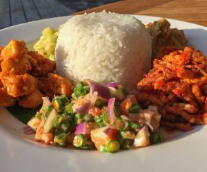 Vegan family style dining at Diamond Beach Villa
