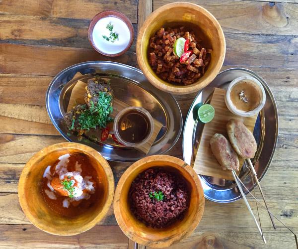Vegan food at Pituq Waroeng