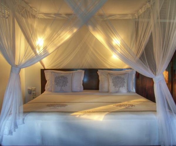 Feather Free Bed at Pondok Santi