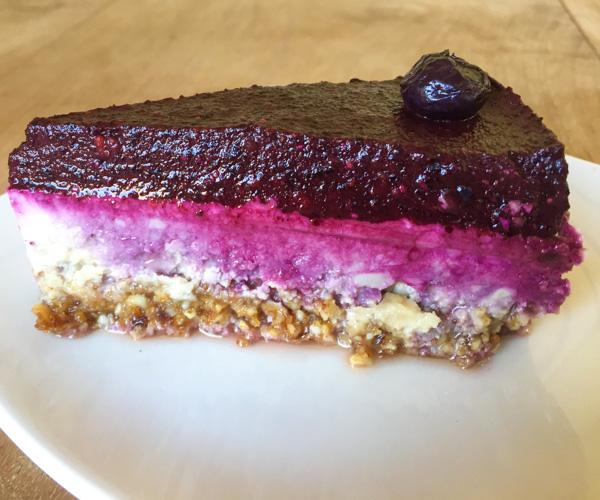 The Banyan Tree Gili T bleberry cheesecake