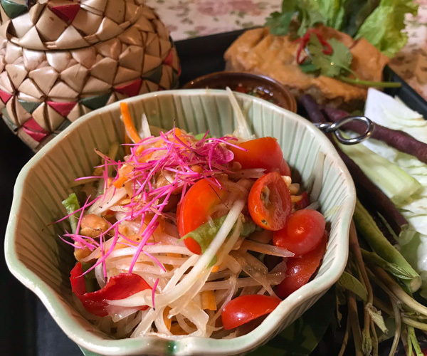 Ariyasom Villa - Vegan Lunch with Rose Apple Flower
