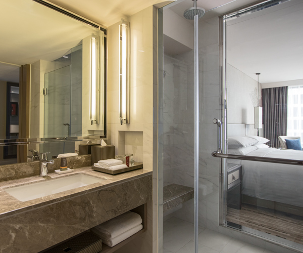 Bangkok Marriott Marquis - Deluxe King Bathroom