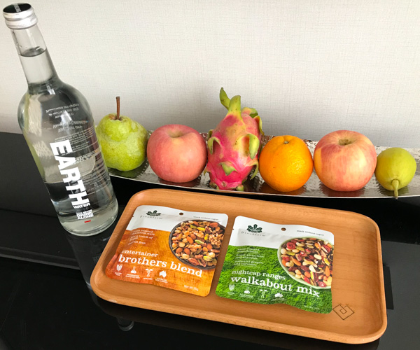 Cordis Hotel - vegan snacks