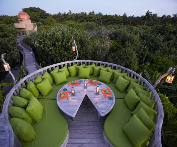Soneva Fushi - Fresh in the Garden Starlight Table