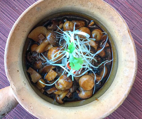 vegan mushroom hot pot