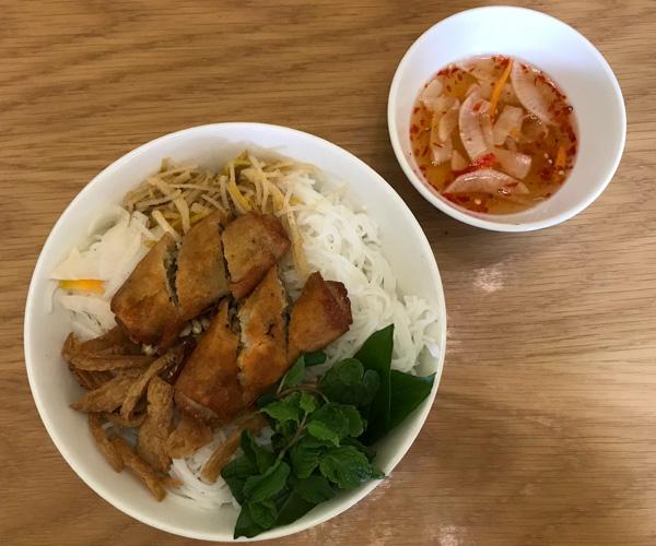 Sala Quan Chay vegan bun cha