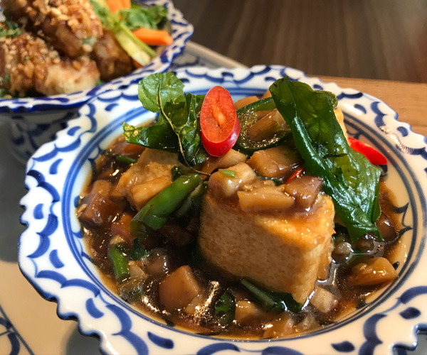 JW Marriott Bangkok vegan pad kra pao